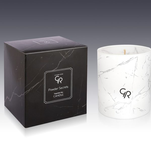 GR Vegetable Wax Candle that has an elegant design and provides a modern and decorative touch to the ambiance, while its charming scents change the air of your room.