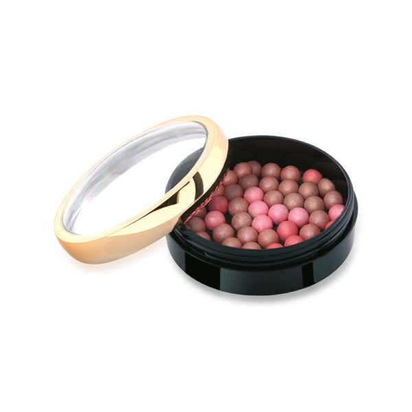 These colorful magical balls create a light, velvety and luminous effect on your cheeks