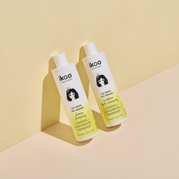 There's nothing like a perfectly made hairstyle that is NOT ruined by humidity or by the wind; that's why we created a bundle for anyone in constant fights with frizz and dehydration. We packed this bundle with our No Frizz, No Drama shampoo and conditioner (250 ml) for smooth, soft hair for daysss.What's inside:Shampoo + Conditioner - No Frizz, no drama (250 ml each)